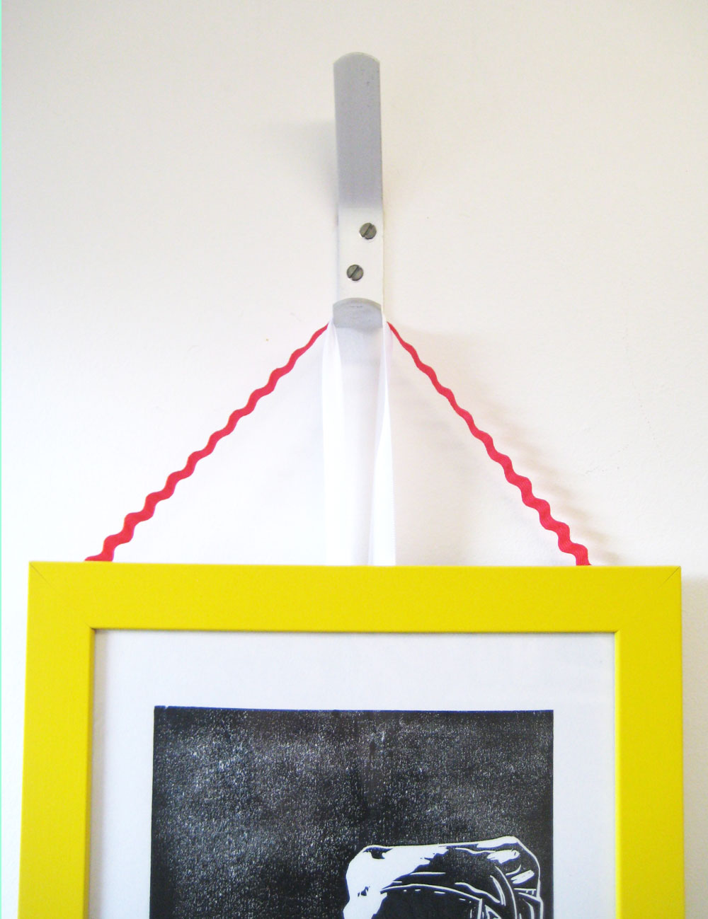 Make A Feature Wall Of Your Framed Prints Thisisknockout