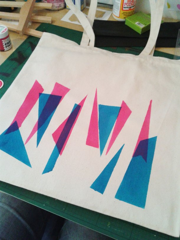 Second colour added to the tote bag