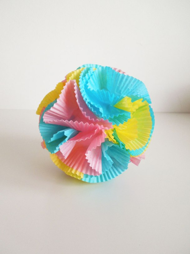 make cup cake wrapper decorations