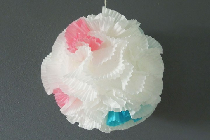 Cup cake wrapper balls
