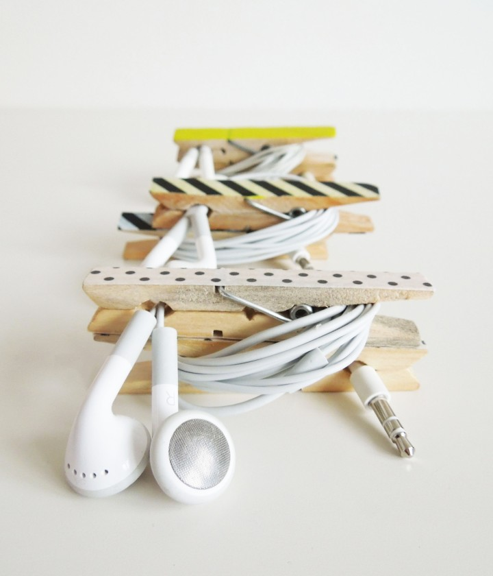 make a cable tidy with pegs